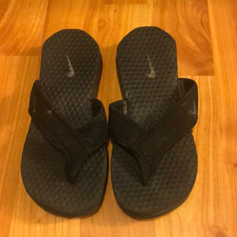 2876940a1 Nike Flipflops Nike flip flops Black pink size 8 Nike Shoes Slippers