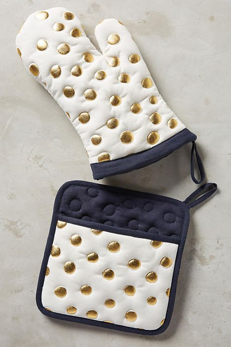 Cute gold dotted pot holder & mitt
