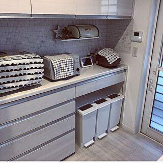 キッチン 背面収納 ゴミ箱 リクシルのカップボード 炊飯器 などのインテリア実例 2017 11 07 15 58 51 Roomclip ルームクリップ 152646roomclipルームクリップ キッチン背面収納 ゴミ箱 ゴミ箱ブレッドケ