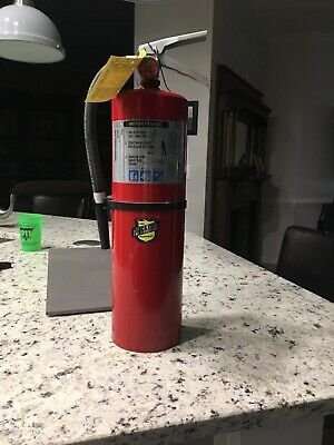 Sponsored Ebay Buckeye Model 10hi Sa80 Abc 10 Lb Fire Extinguisher Full See Description In 2020 Fire Extinguisher Portable Fire Extinguisher Extinguisher