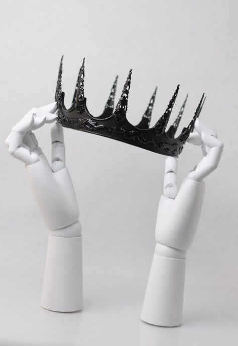 Crown Aesthetic, Queen Aesthetic, Princess Aesthetic, Crown Drawing, Dragons Crown, Dark Queen, Evil Queens, Queen Crown, Dragon Slayer