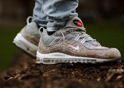 finest selection 0d828 516ad 2019 的 Gentle Supreme X Nike Air Max 98 Snakeskin On Feet ...