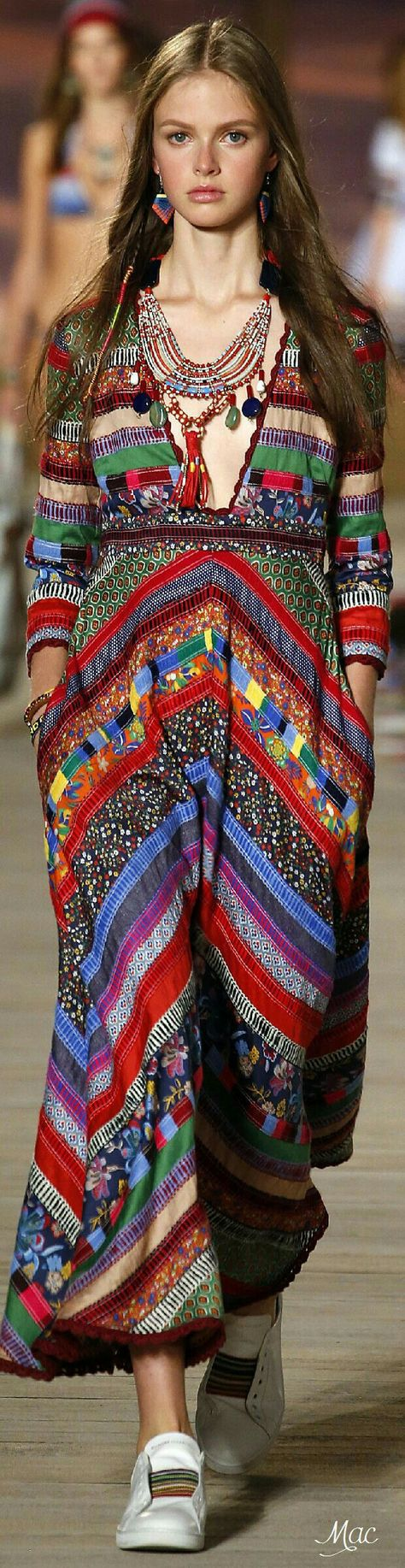 Tommy Hilfiger Spring 2016 Ready-to-Wear Fashion Show