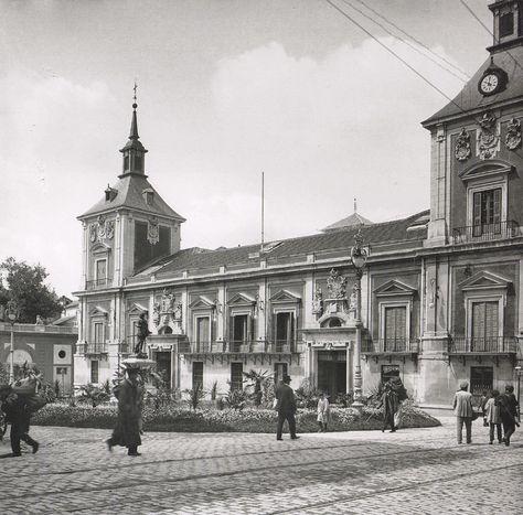 Imágenes del viejo Madrid. Plaza de la Villa. 1906.