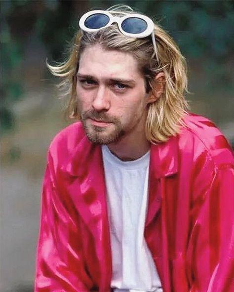 Happy Birthday Kurt ♥️ . #asliceofhistory #historic #history #nirvana #nirvanafans #smellsliketeenspirit #heartshapedbox #comeasyouare…