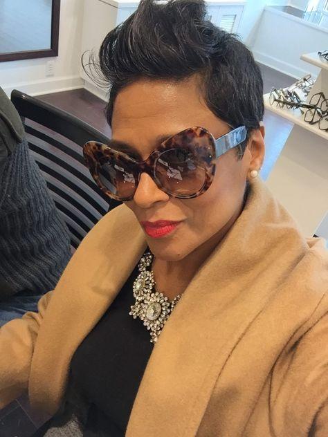 Sunglasses Women, Trending Sunglasses, Gucci Sunglasses, Sunnies, Short Hair Cuts, Short Hair Styles, Simple Winter Outfits, Fashion Eye Glasses, Men Eyeglasses