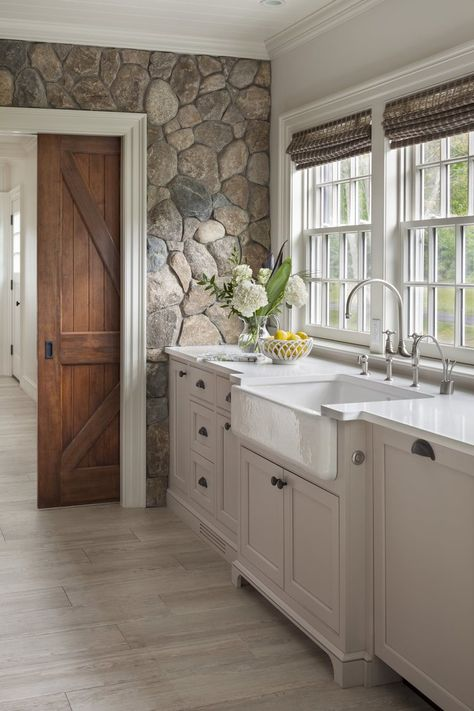 Interior Design Kitchen Farmhouse sink with white painted cabinetry set against cobbled stone wall. Design by Patrick Ahearn Architect - See why we're dying over this natural trend! Sweet Home, Cuisines Design, Home Kitchens, Cottage Kitchens, Luxury Kitchens, New Homes, Room Kitchen, Kitchen Rustic, Kitchen Interior