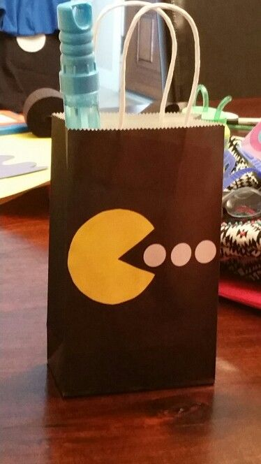 Pac man party gift bag.