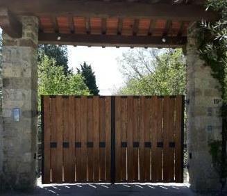 Cancello A Due Ante Battenti.Cancello Carrabile Ad Ante Battenti Struttura In Acciaio Zincata