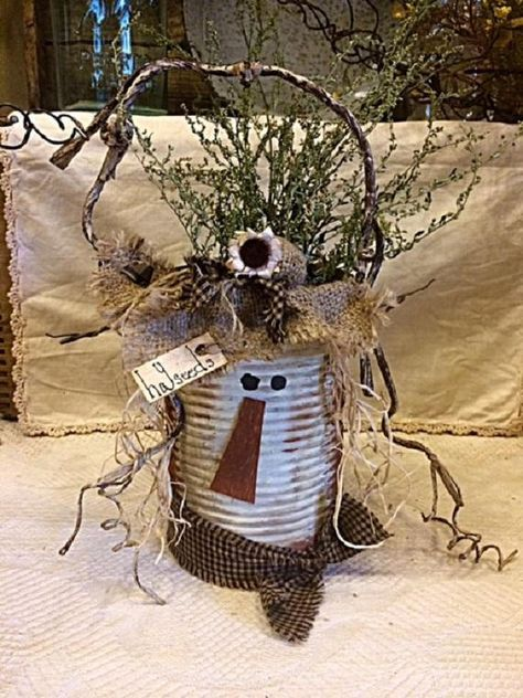 Primitive Metal Fall Scarecrow Unique Handcrafted Home Decor Primitive Fall Crafts, Fall Wood Crafts, Tin Can Crafts, Country Crafts, Primitive Christmas, Thanksgiving Crafts, Primitive Fall Decorating, Primitive Scarecrows, Primitive Autumn