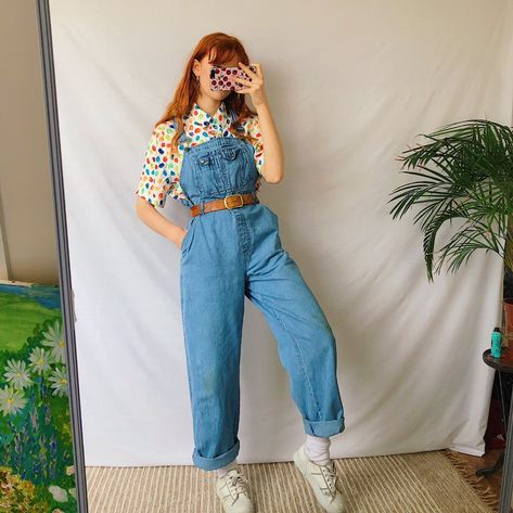 Vintage blue denim long dungarees 🌈 in a comfy and flattering straight leg high waisted style. Indie Outfits, Retro Outfits, Vintage Outfits, Cool Outfits, Casual Outfits, Fashion Outfits, Geek Chic Outfits, Dungarees Outfits, Fashion Clothes