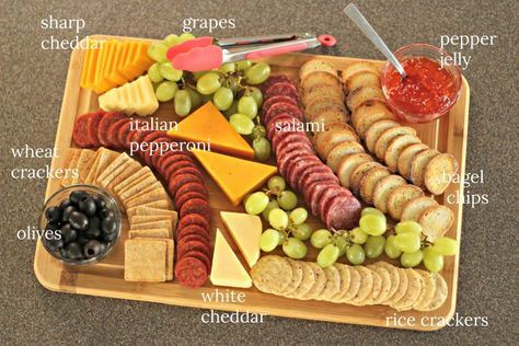 Easy Charcuterie Boards Easy Charcuterie Boards cheese and meal tray<br> Make Inexpensive and Easy Charcuterie Boards for any Gathering or Celebration. Charcuterie Recipes, Charcuterie And Cheese Board, Charcuterie Platter, Cheese Boards, Charcuterie Picnic, Charcuterie Display, Antipasto Platter, Meat And Cheese Tray, Wine And Cheese Party