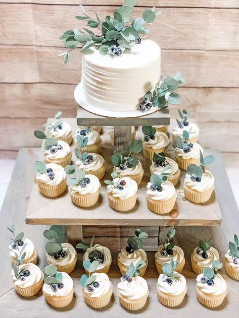 Small Wedding Cakes, Wedding Cakes With Cupcakes, Cupcake Cakes, Our Wedding, Dream Wedding, Small Wedding Decor, Wedding Cake Decorations, Winter Wedding Cupcakes, Vintage Wedding Cupcakes