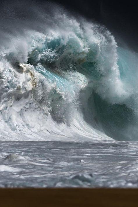 Huge Wave.