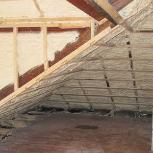 Does This Roof Need More Foam In 2020 Blown In Insulation Log Home Designs Roof Sheathing