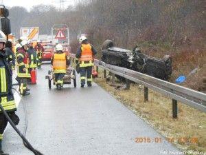 Schnelle Hilfe: Feuerwehr Wuppertal kommt an schwerem Unfall vorbei http://www.feuerwehrleben.de/schnelle-hilfe-feuerwehr-wuppertal-kommt-an-schwerem-unfall-vorbei/ #feuerwehr #firefighter