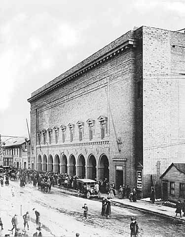 St Paul Auditorium Fifth Street Entrance St Paul 1908 Minnesota Travel St Paul Minnesota Minneapolis Minnesota
