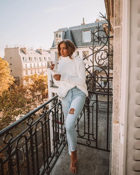 Turtleneck Drop Shoulder Loose Plain Sweater New in Zaful-u!New collection! New season, popular fashion trends!Beautiful turtleneck sweater and mini skirt . Beautiful clothing of all designs and creations are here! ZAFUL IS THE BEST !