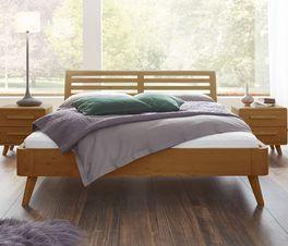 Massivholzbett Im Retrostil Aus Geoltem Eichenholz Santa Rosa Massivholzbett Bett Rosa Bett