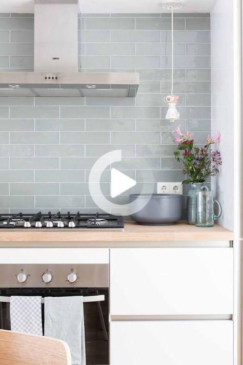 Inspiration Minzgrune Fliesen In Ihrem Interieur In 2020 Innenarchitektur Kuche Fliesen Kuche Wand Deko Tisch