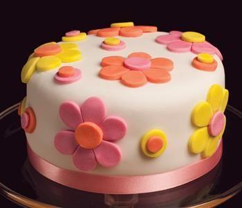 طريقة عمل عجينة السكر لتزين الكيك Fondant Wedding Cakes Cake Recipes Easy Homemade Fondant Cake Toppers