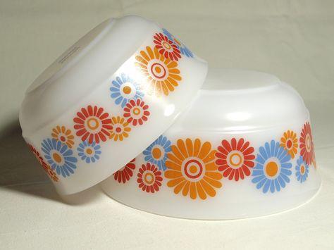 Schüsseln / 2 tlg. / Jenaer Glas / 1970er / vintage / retro / Seventies / bowl / dishes / Blumen / Flowers / orange / Pyrex von VintageShabbyRetro auf Etsy