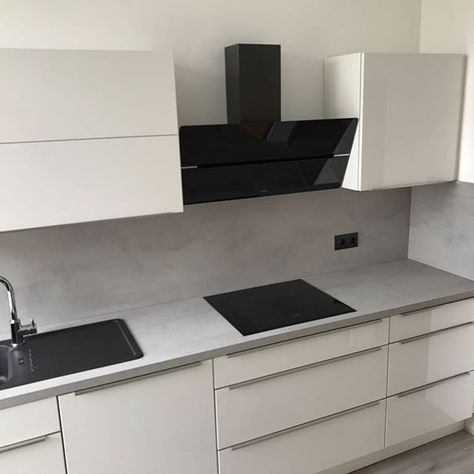 Diese Schone Kuche Haben Wir Gerade Fertig Montiert Fur Das Junge Paar Aus Wup Beautiful Kitchens Modern Kitchen Cabinet Design Kitchen Furniture Design