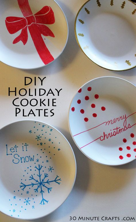 Make your own Cookie Exchange Plates - 30 Minute Crafts - Christmas Eve box - amazing craft Diy Christmas Gifts, Holiday Crafts, Christmas Time, Christmas Decorations, Sharpie Plates, Sharpie Crafts, Sharpies, Paint Plates, Giving Plate