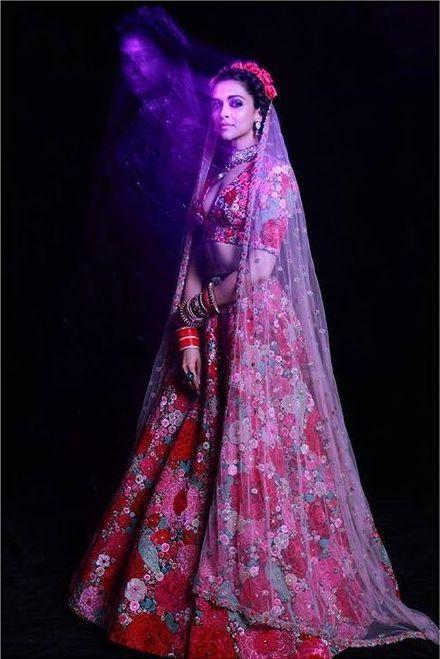 New Deepika Ranveer Wedding Photos You Have To See Today Sabyasachi Bridal Sabyasachi Bridal Collection Sabyasachi Lehenga