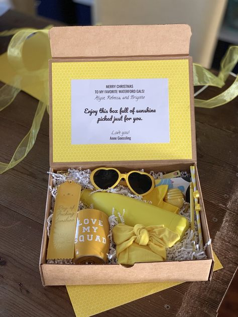 This gift box contains a ray of sunshine and will brighten up your day, no matter what the weather is outside. Build your next customized gift box with Salazar Lane.