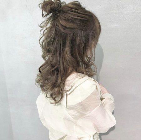 2020年夏 セミロングのヘアスタイル ヘアアレンジ 髪型 パーマ