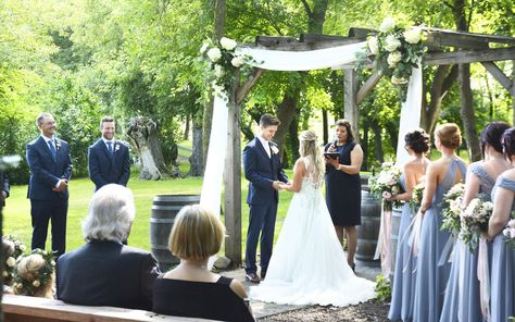 Are church weddings a thing of the past? Alexandria mirrors