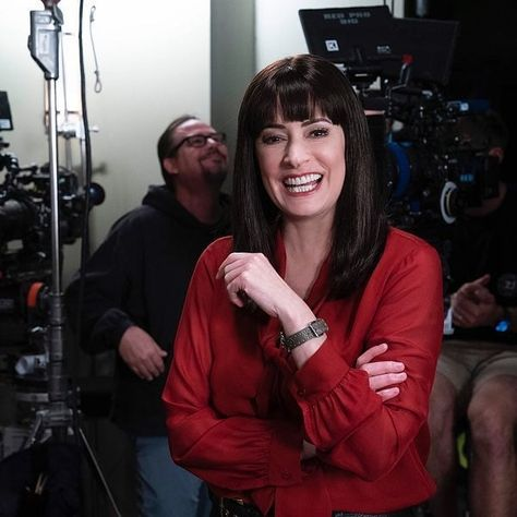 Country Song Quotes, Country Music Lyrics, Criminal Minds Quotes, Paget Brewster, Fake Smile Quotes, Country Girl Problems, Aubrey Plaza, Lady Antebellum, Matthew Gray Gubler