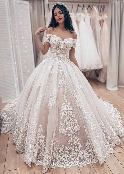 Stunning Appliques Tulle White Ball Gown Wedding Dresses Formal
