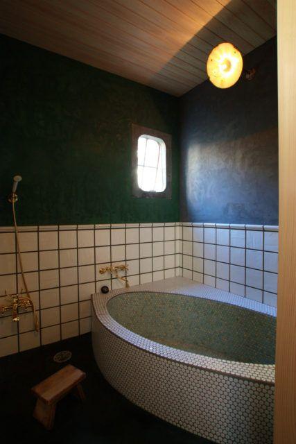 色と素材にこだわった 世界で一つだけのサニタリー空間 浴室 デザイン タイル おしゃれ 浴室 壁
