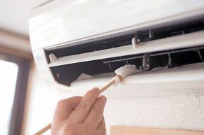 掃除のプロが教えるメラミンスポンジの実力とは この時期はエアコンに