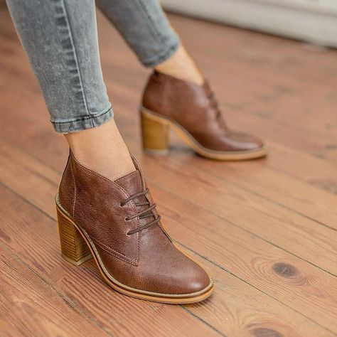 Get your Monday shoes on Shop the Xavier Boot at any of our 3 shops in or order from our - Link in Bio - Sizes UK/SA 3 - 9 available Free delivery in SA Dream Shoes, Crazy Shoes, Boot Over The Knee, Cute Shoes, Me Too Shoes, Stiletto Heels, High Heels, Oxford Shoes Heels, Women Oxford Shoes