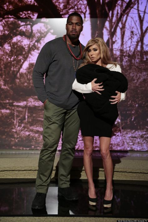 Kelly Ripa-Michael Strahan as Kanye West-Kim Kardashian