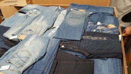 Modelo A1 Pallet De 150 Jeans Nuevos Hombre Y Mujer Marca Aeropostale Pacas De Ropa Venta De Ropa Americana Pacas De Ropa Americana