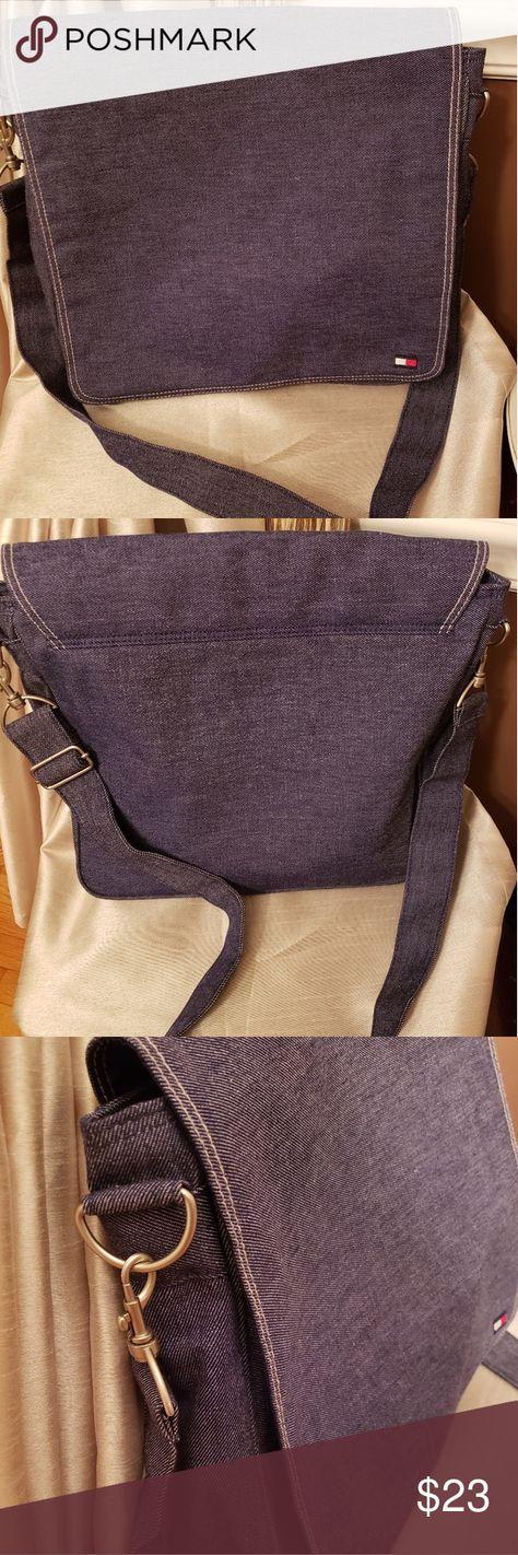 Pineapple Purple Background Cross Body Shoulder Messenger Laptop Bag