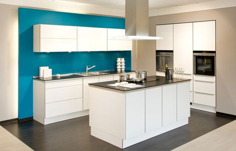 weiße Küche mit Kochinsel Küchen mit Kochinsel Pinterest - küche mit insel