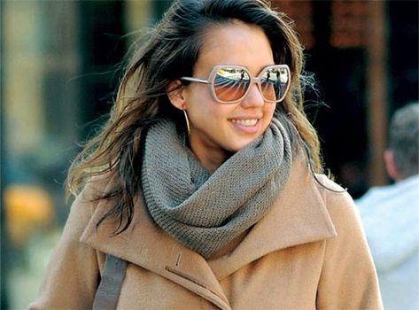 6ef71ad937eb Jessica Alba wearing Burberry sunglasses.