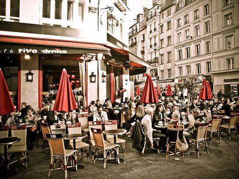 A street cafe in Paris