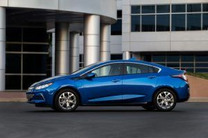 The 2020 Chevrolet Volt Price And Release Date Chevrolet Volt Chevy Volt Chevrolet