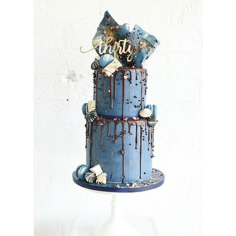 As we are coming to the end of reflection becomes a common notion.here is a popular design by Sweet Bloom Cakes that we have replicated a few times during the year - one that we have really enjoyed xxx 💙 .
