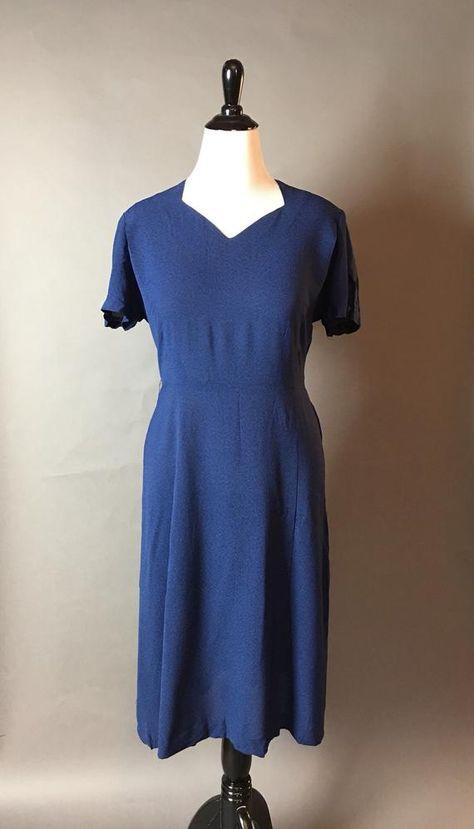 8c47f1c3426 Vintage 40s dress   1940s dress   Volup dress   plus size dress   navy blue