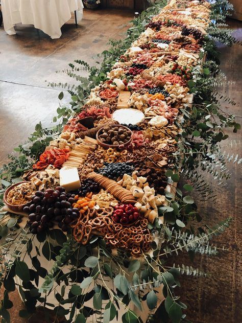 charcuterie board A feast for the eyes, grazing tables are elevating wedding cocktail hours everywhere by providing a colorful spread to feast on and mingle over. Wedding Catering, Wedding Reception Food, Wedding Appetizer Table, Cheese Table Wedding, Unique Wedding Food, Wedding Buffet Food, Appetizers Table, Wedding Small Plates, Wedding Receptions