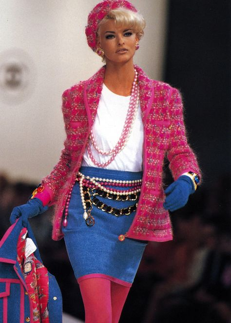 CHANEL - Vintage - FW 1991 - Model: Linda Evangelista *k.i hope nobody would seriously wear this unless you wanted to look like a barbie that the good fairies in sleeping beauty messed the colors up on <_: