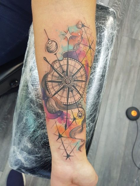 Tatoo Por Rodrigo Brito Ferrada Tatuaje De Flecha Y Brujula