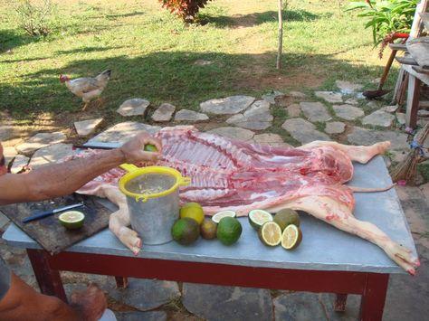 Preparar adobo o mojo para la carne de cerdo #cerdo #comida #carne http://www.cubanos.guru/preparar-adobo-mojo-la-carne-cerdo/